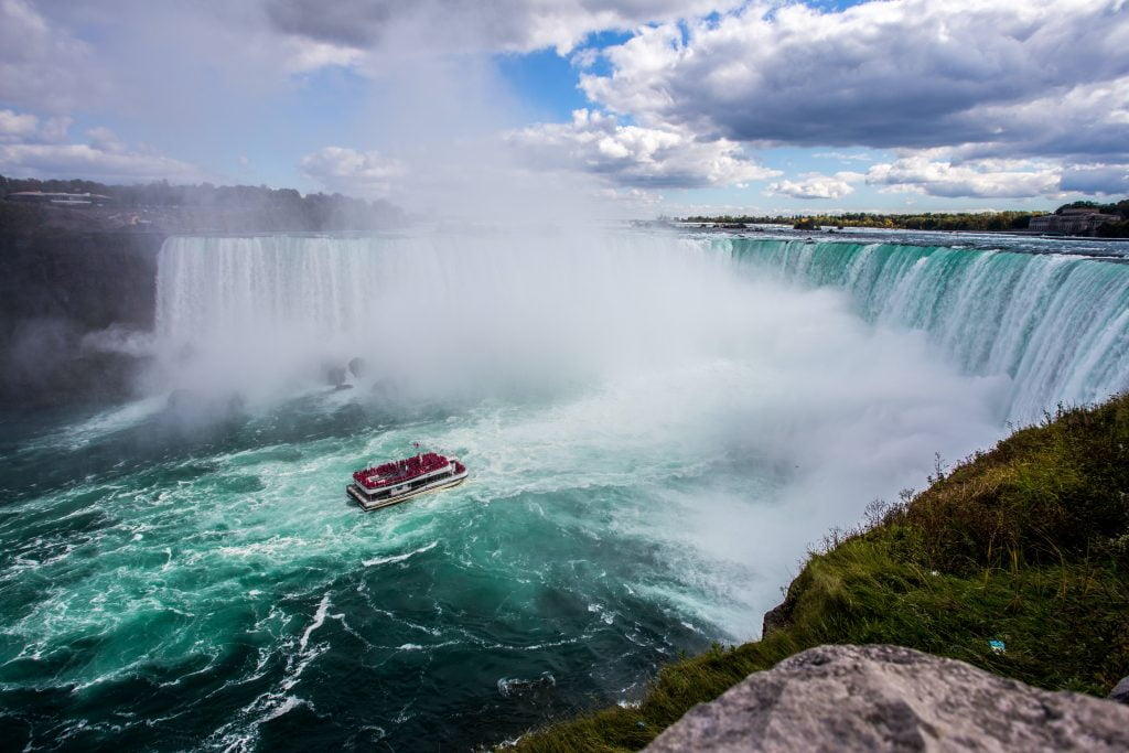 Niagra Falls is very beautiful tourist attraction and is one of the Best Places to visit in the USA
